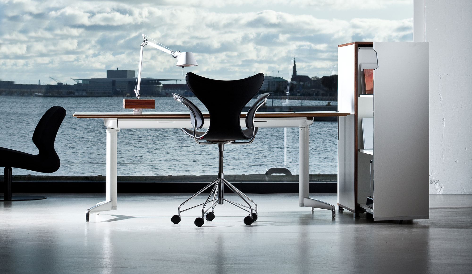 Genese Office System for Holmris/B8. Sit stand table & Genese My Cabinet. Design Morten Voss & Christian Hedlund.